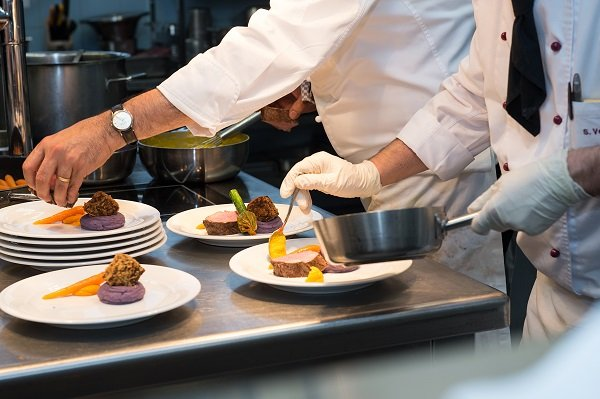 students cooking class